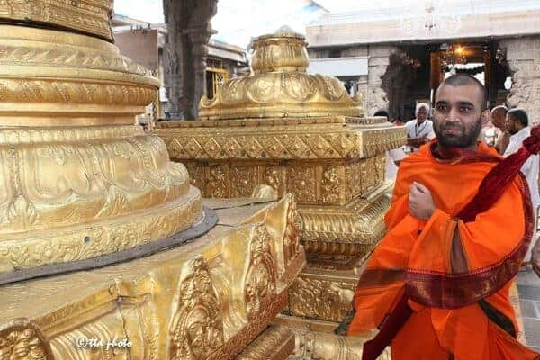 H.H Shishya Swamiji offered prayers to Lord Venkateswara